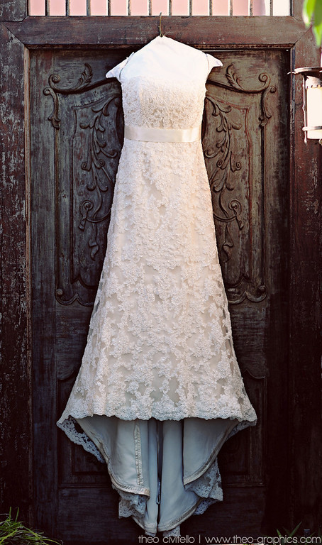 IMAGE: http://civitello.smugmug.com/Weddings/Eric/i-HKpBLQw/0/XL/Full-Dress-Hanging-XL.jpg