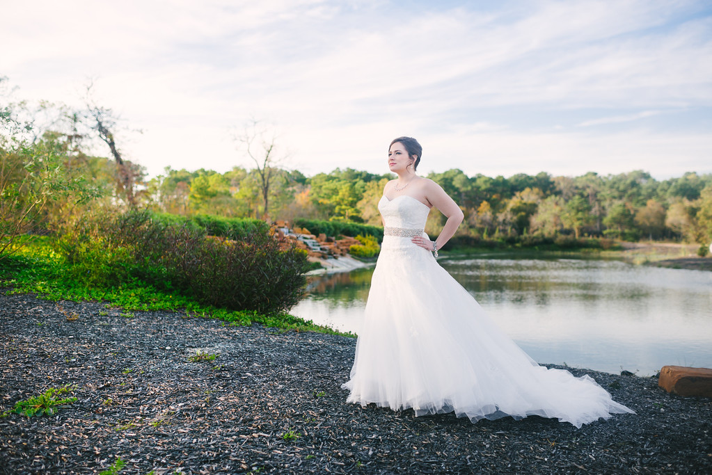 IMAGE: http://civitello.smugmug.com/Weddings/Macy-Bridal-Blog/i-QfkQbhC/0/XL/DSC_2553-XL.jpg